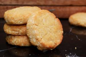 Almond Round Cookie